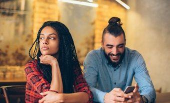 İlişkinizin sizi duygusal olarak tükettiğini gösteren 6 işaret